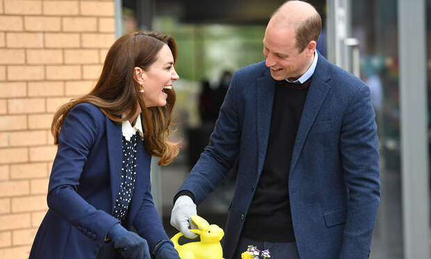 Кейт Миддлтон и принц Уильям выбрали для делового визита фэмили лук