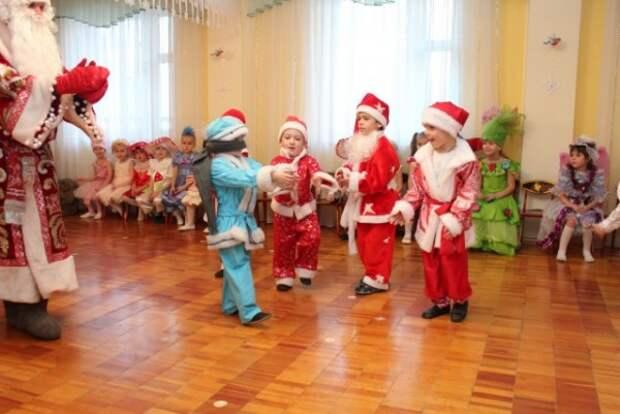 Воспитанникам детсада запретили приходить в костюмах зарубежных мультгероев (ФОТО)