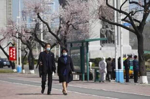 На фото: повседневная жизнь в Пхеньяне во время пандемии коронавируса COVID-19
