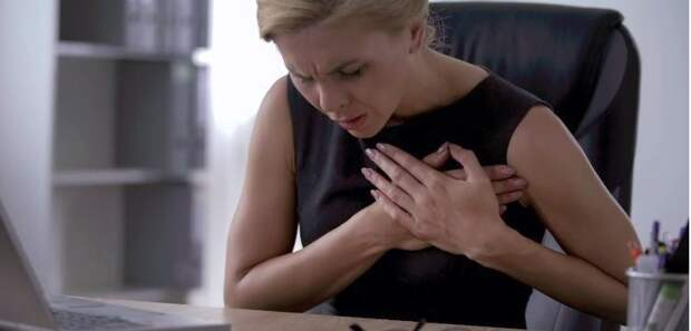 Острая колющая боль в груди, которая быстро проходит, никак не связана с сердцем! Вот что это такое