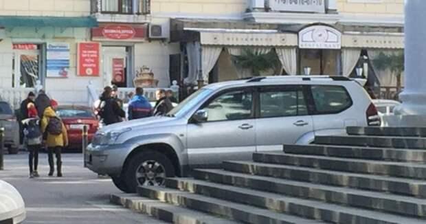 Обыск – или вооруженный налет? В Ялте на журналиста напали 12 человек с автоматами
