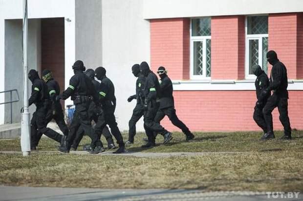 В Минске протестующих не видно, но задержания уже начались