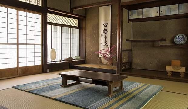 Как японцы хранят вещи в домах, в которых нет мебели