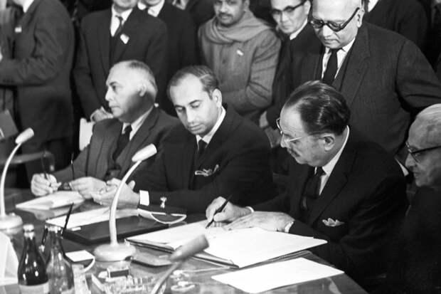 От чего скончался премьер-министр Индии в Ташкенте 1966-го