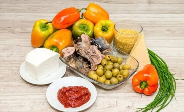 Фаршированный перец тунцом и помидорами. \ Фото: diets.ru.