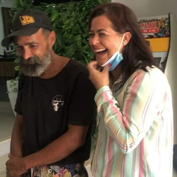 Судьбоносное преображение: после визита впарикмахерскую бомж изБразилии обрел родственников