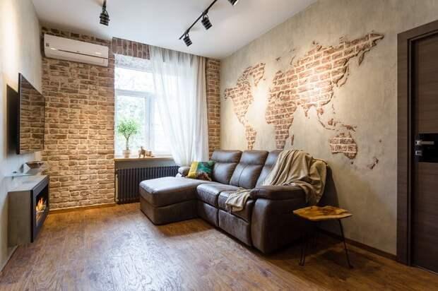 Кирпичом на стене можно выложить карту. / Фото: dizainexpert.ru