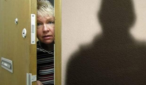 Мошенники начали предлагать москвичам прививки от ковида на дому