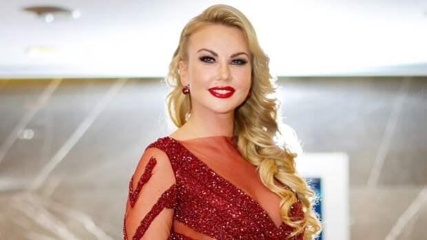 Лучшие платья певицы Камалии, которые буквально сверкают роскошью и стилем