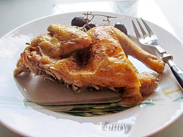 Цыпленок, запеченный с виноградом