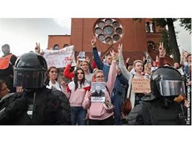 Католицизм и православие столкнулись на белорусском майдане