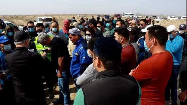 Добычу песка приостановили в Атырауской области из-за жалоб сельчан