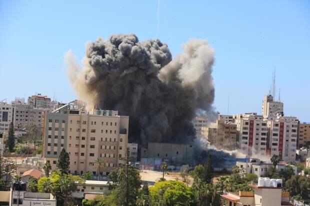 Израильский истребитель разрушил дом замглавы политбюро ХАМАС в Газе