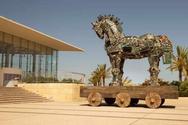 США просят страны Центральной Азии принять Троянского коня