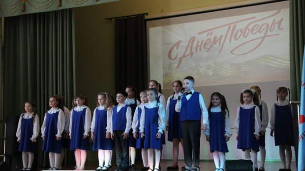 """,Как в российских школах воспитывают """"героев"""""""
