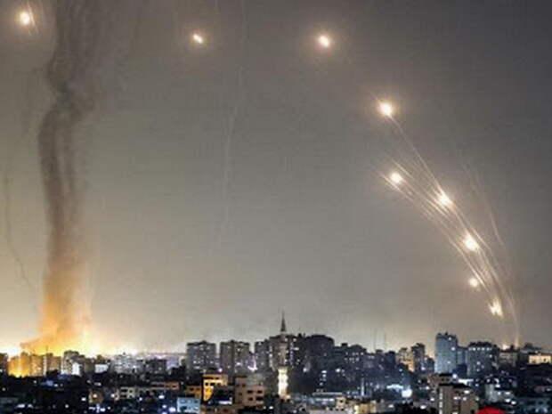 Десятки жертв: ХАМАС выпустил по Тель-Авиву сотни ракет – массированный обстрел попал на видео