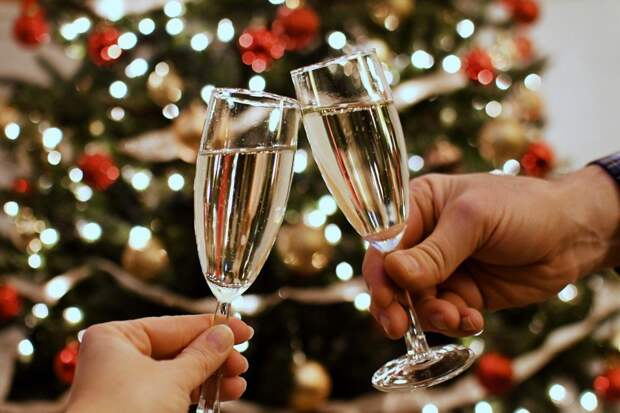 Бык не против алкоголя: жителям Удмуртии рассказали, в чем и как встречать Новый год