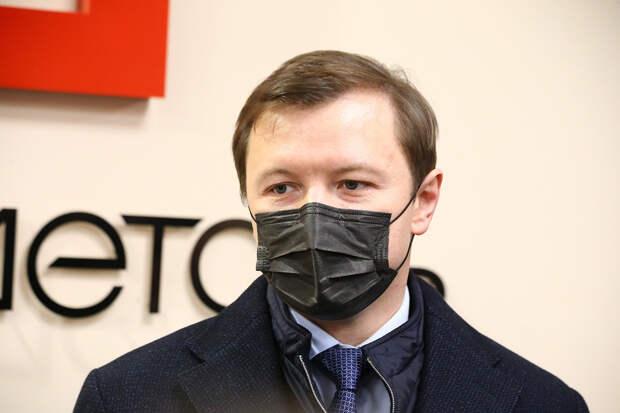 Заммэра Москвы допустил отмену масочного режима в ближайшие месяцы