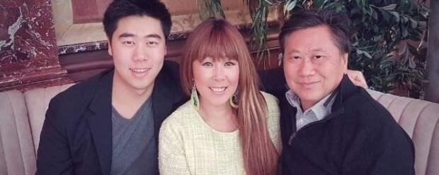 Анита Цой заявила, что супруг просит ее родить второго ребенка