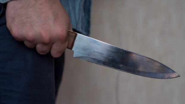 Автомобилист из Уфы получил удар ножом за громкую музыку во дворе