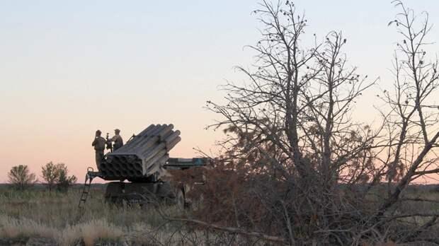 ВСУ провели полевые учения расчетов РСЗО «Ураган» возле границы с Крымом