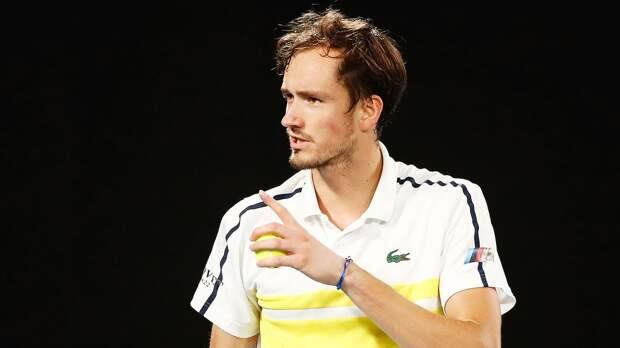 Медведев за 2,5 часа обыграл Попырина и вышел в 1/8 финала «Мастерса» в Майами