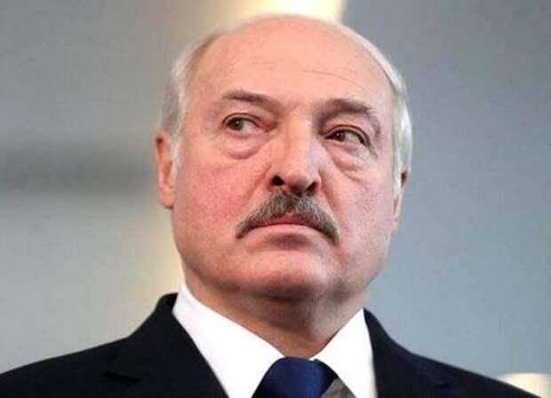 Лукашенко потребовал от Германии 100 лет простоять на коленях перед белорусами