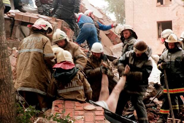 «Смотрел на завалы вокруг, пытаясь отыскать свою мать» Двадцать лет назад в Москве взорвали дома. Так страшно россиянам было впервые