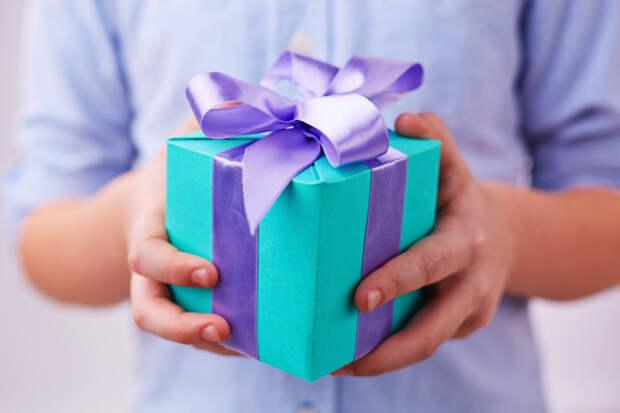 После расставания бывший требует подарки обратно. Объясняю, почему у него не получится, даже когда есть чеки