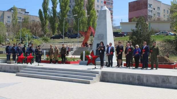 В городе Щёлкино состоялась церемония перезахоронения останков восьми командиров и бойцов Крымского фронта, посвященная 76-й годовщине Победы в Великой Отечественной войне