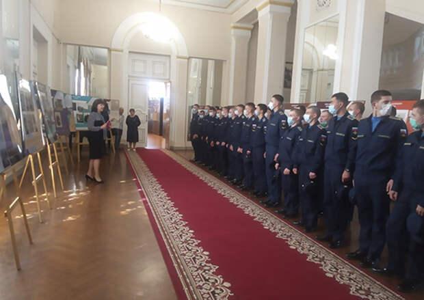 Военнослужащие Ростовского-на-Дону гарнизона посетили выставку Русского географического общества