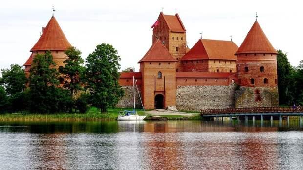 Литва готова выслать российских дипломатов всолидарность сЧехией