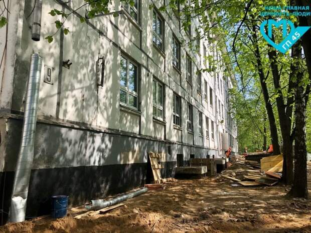 Шумный и грязный этап ремонта поликлиники на Флотской завершен
