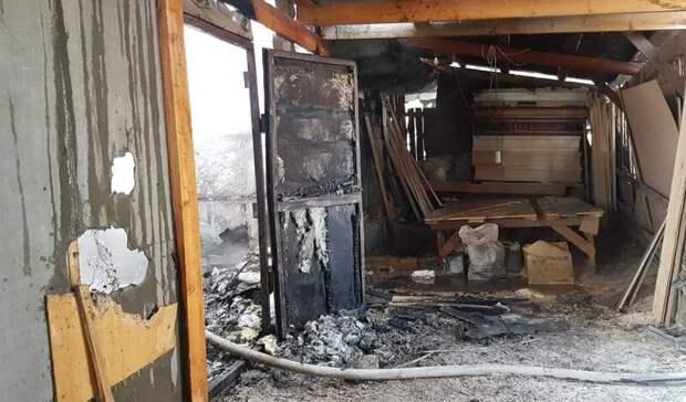 Цех попроизводству гробов сгорел вНижнем Тагиле на Черемшанке