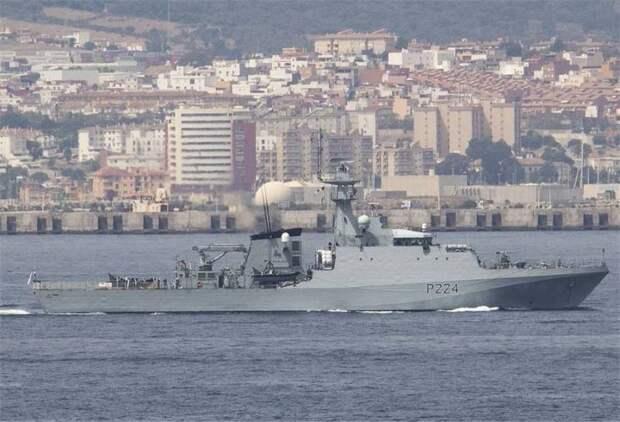 В Черное море зашел патрульный корабль ВМС Великобритании