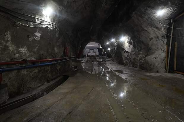 Почти 140 человек эвакуируют из шахты в Кузбассе из-за выброса метана