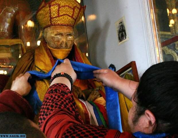 Живые тела или мёртвые души? Загадка нетленных тел тибетских монахов