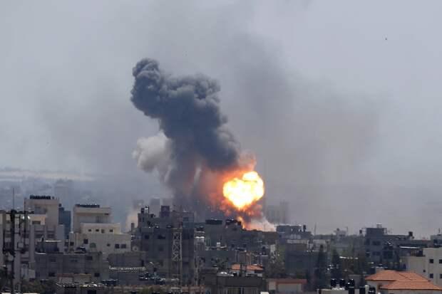 Израильская ракета уничтожила здание с офисами СМИ в секторе Газа