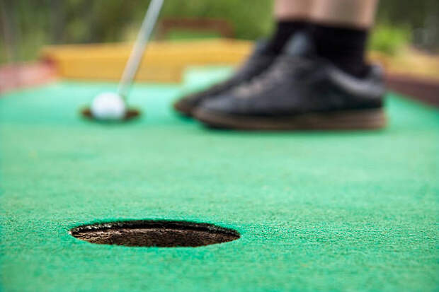 Соревнования по мини-гольфу для людей с инвалидностью пройдут в спорткомплексе на Олонецком проезде