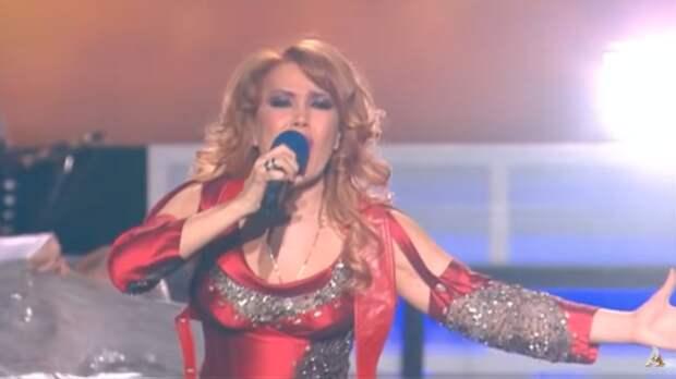Певица Азиза рассекретила дату свадьбы с итальянским женихом