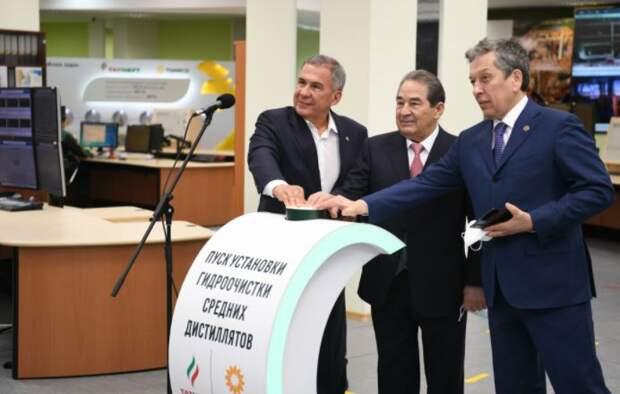 Президент Татарстана Рустам Минниханов, гендиректор