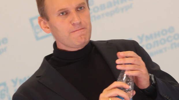 Он кровь за нас проливал, а эта гнида называет его предателем: Мясников обрушился на Навального