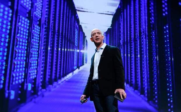 Основатель Amazon стал самым богатым бизнесменом в истории