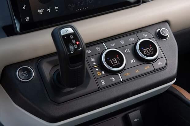 Новый Land Rover Defender - для любителей приключений.