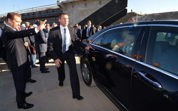 Путин надеется, что уже скоро будет ездить на российском автомобиле
