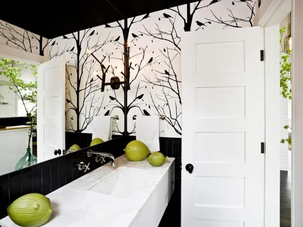 Также вы можете оформить стены росписью, которая имитирует ветви деревьев