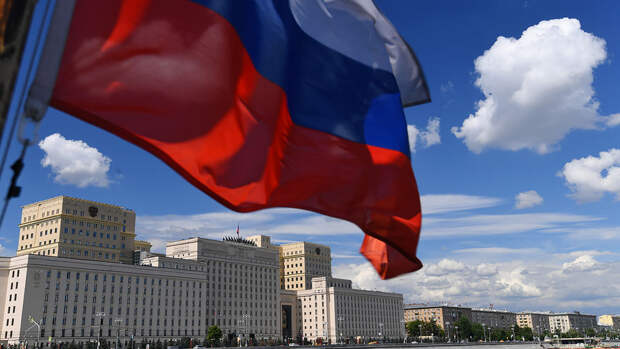 Минобороны подтвердило блокировку военными РФ колонны бронетехники США в Сирии