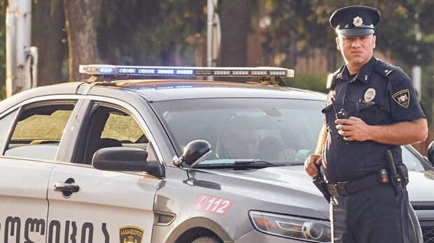 В Тбилиси задержали мужчину, захватившего заложника в банке