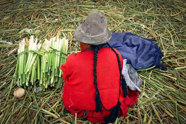 Племя урос живет на плавучих островах озера Титикака красота, путешествия, фото