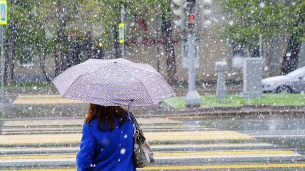 Москвичей в пятницу ждет жара с дождями и грозами